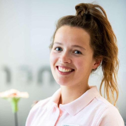 Tess Wilkinson, de schans tandartsen